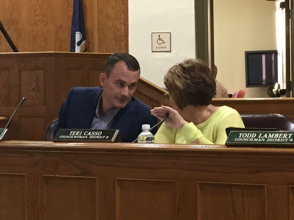 Council members Chris Loar and Teri Casso conferring at September 3 meeting